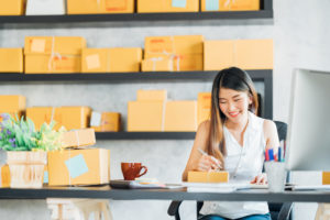 Read more about the article Thinking About Starting an eCommerce Business? Consider a DNVB